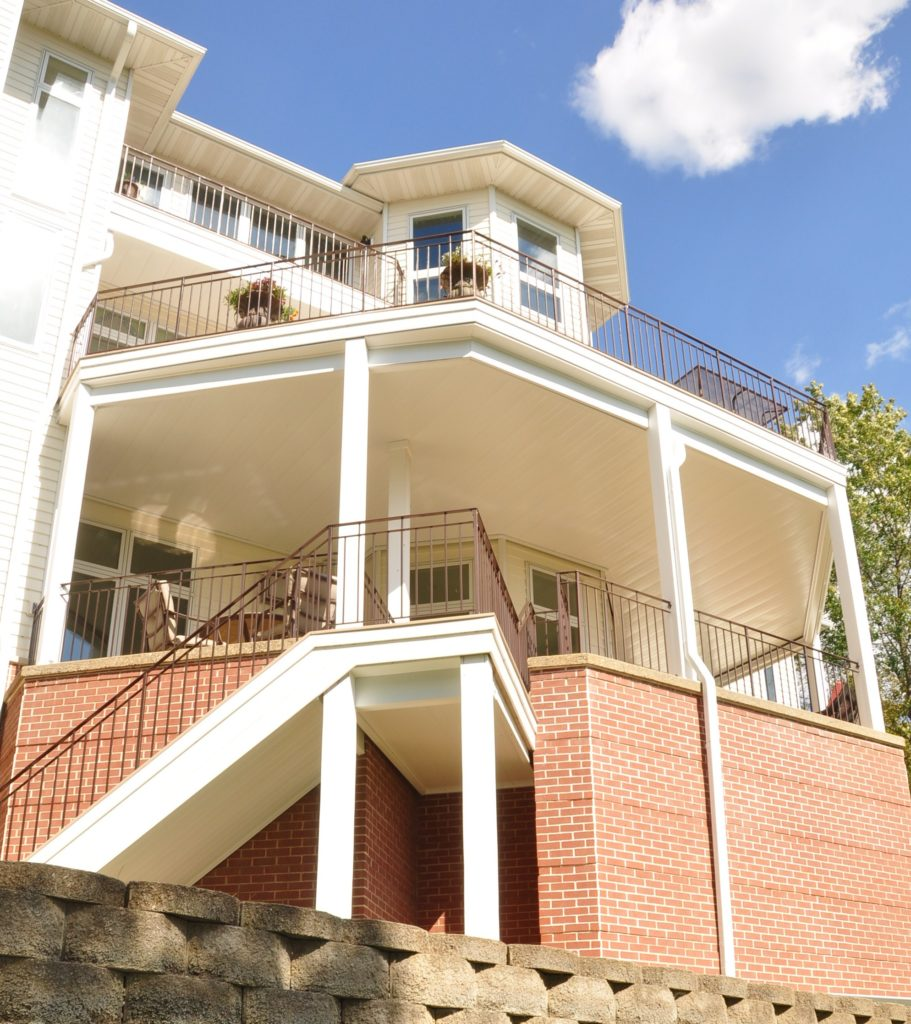 Multi-Story Deck with Comfort Zone