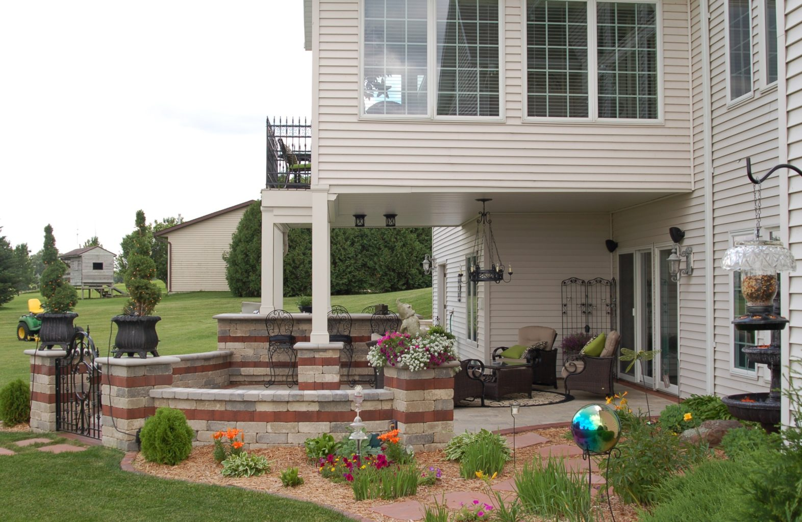 Underdeck patio with landscaping